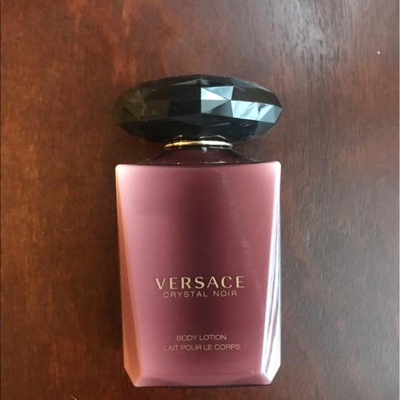 Noir Lotion Crystal Body Versace Versace Body Versace Noir Noir Crystal Lotion Crystal Body n80wkOP